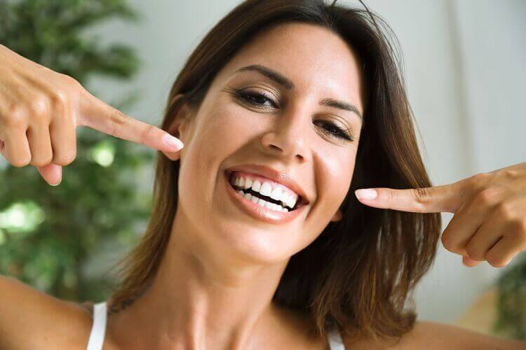 Traitement de blanchiment dentaire : Comparatif des meilleurs traitements du marché 2020
