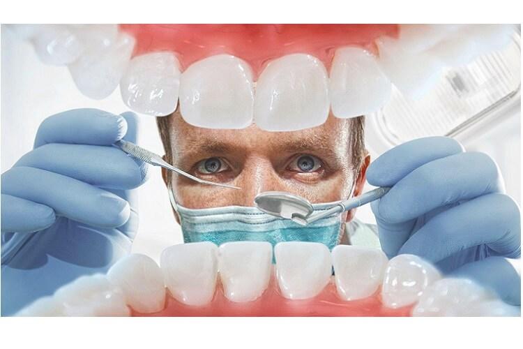 dent-necrosee-odeur-dent-devitalisee-douleur-dent-devitalisee-cassee-dent-morte-symptome-dent-devitalisee-danger